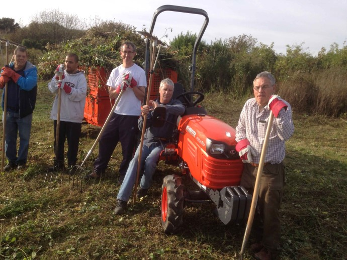 sfv-new-tractor-volunteers-oct-27-2016-reduced